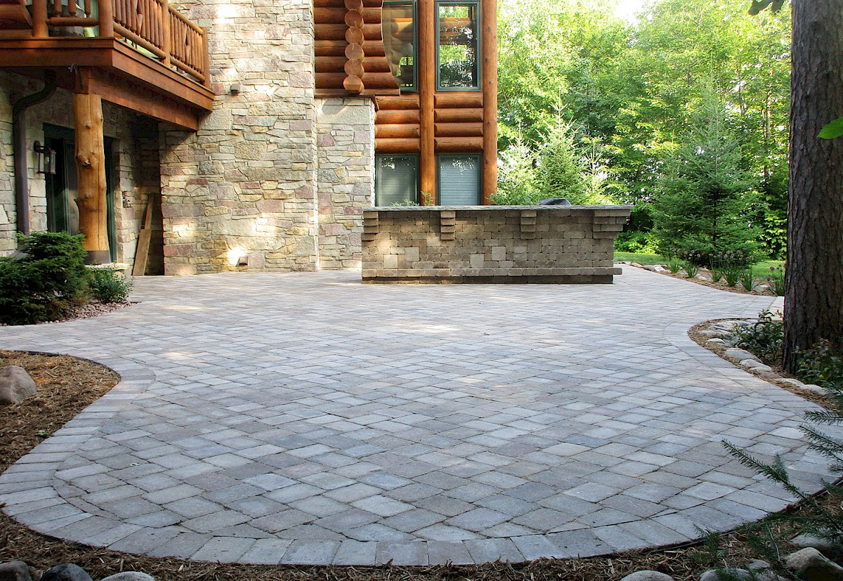 Ideas For Entertaining On Your Paver Patio