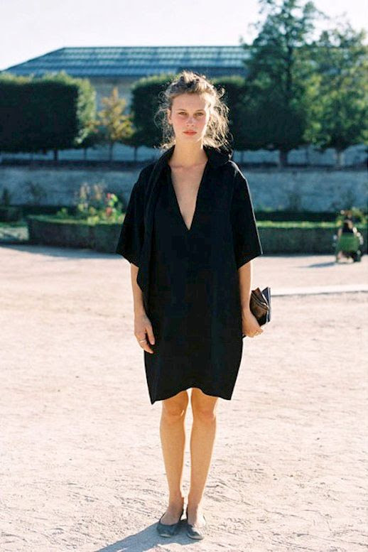 Le Fashion Blog -- Paris Fashion Week Street Style -- Marine Vacth -- Effortless Black Dress, Clutch and Flats -- Via Vanessa Jackman photo Le-Fashion-Blog-Paris-Fashion-Week-Street-Style-Marine-Vacth-Effortless-Black-Dress-Ballet-Flats-Via-Vanessa-Jackman.jpg
