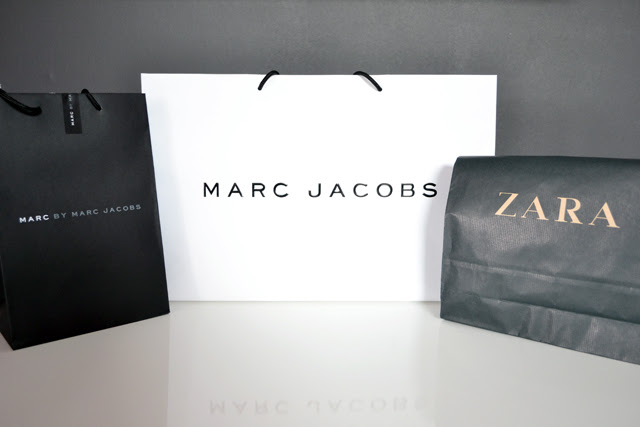 paper bags shopping bag marc by marc jacobs zara paris monochrome black and white what's in the bag fashion blogger turn it inside out belgium