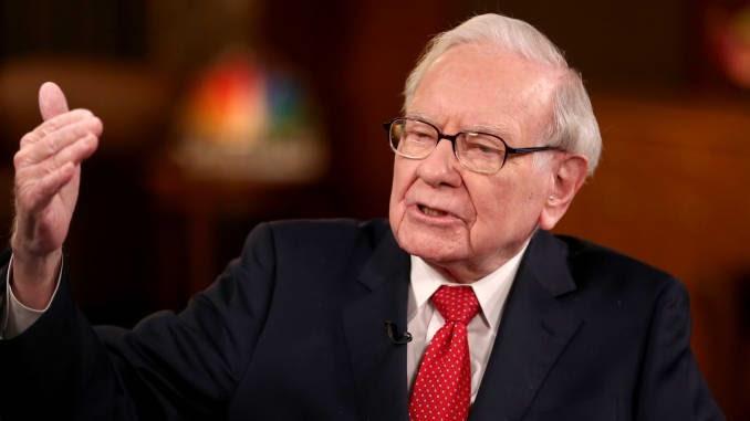 'Es una guerra económica': Warren Buffett insta al Congreso a extender el alivio para las pequeñas empresas