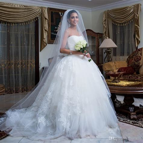Discount Summer Beach Elegant Lace Wedding Dresses