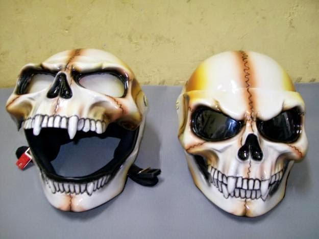 Helm Tengkorak