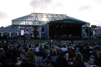 Singer @ Kew Gardens Summer Swing
