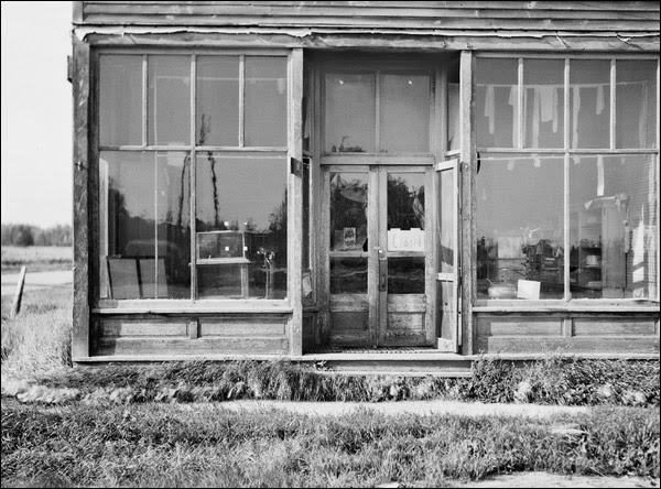 1937-minnesota-store-in-logging-bust-town.jpg