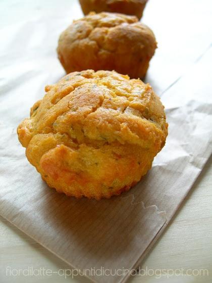 Mini cake alla robiola di Cocconato e paprika