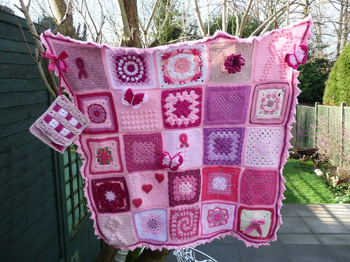 This is a stunning Blanket and I'm very proud of you all! Thank you Lotti!