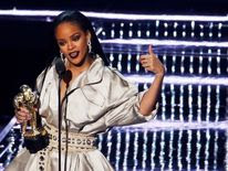 Rihanna accepts the Michael Jackson Video Vanguard Award
