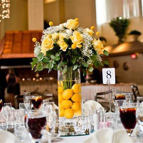 15 Colorful floral arrangements with lemons producing