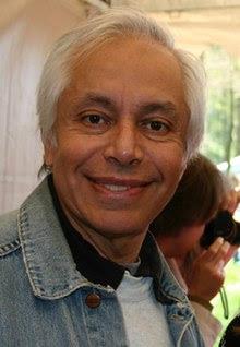 http://upload.wikimedia.org/wikipedia/commons/thumb/c/c4/BorisVallejo.jpg/220px-BorisVallejo.jpg