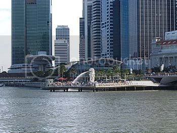 The Merlion Park is home to the half-lion, half-fish sculpture which is a national icon