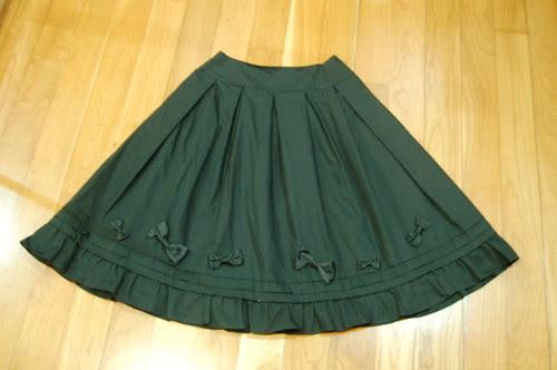 Lolita Closet Count! Skirts: Black - Innocent World Ribbon Pintuck Skirt