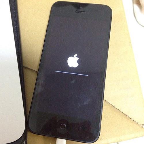 iPhone5をiOS7にアップデート。結構時間がかかるな…。