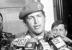 Chávez,  entonces oficial de las Fuerzas Armadas, durante los sucesos del Golpe  de Estado de febrero de 1992
