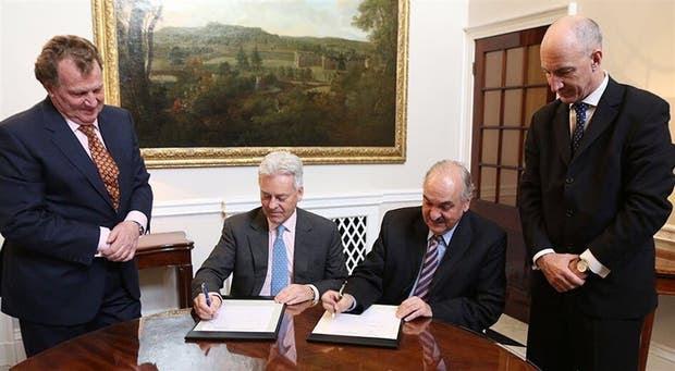 Los vicecancilleres Alan Duncan (Gran Bretaña) y Pedro Villagra Delgado (Argentina), ayer, en la reunión de Londres
