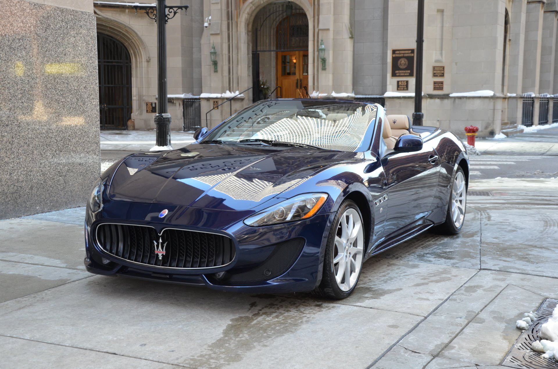 LUXURY FAST CARS WALLPAPERS: 2013 maserati granturismo convertible