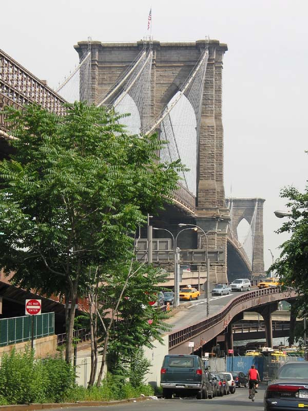 http://wirednewyork.com/bridges/brooklyn_bridge/images/brooklyn_bridge_dover_28june03.jpg