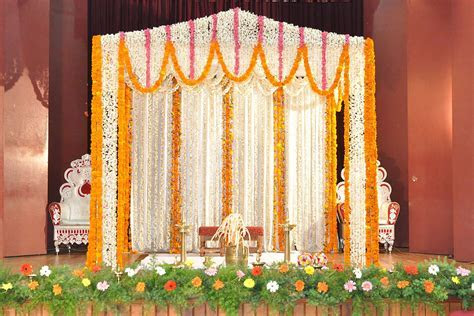 New Simple Wedding Stage Decoration with Flowers