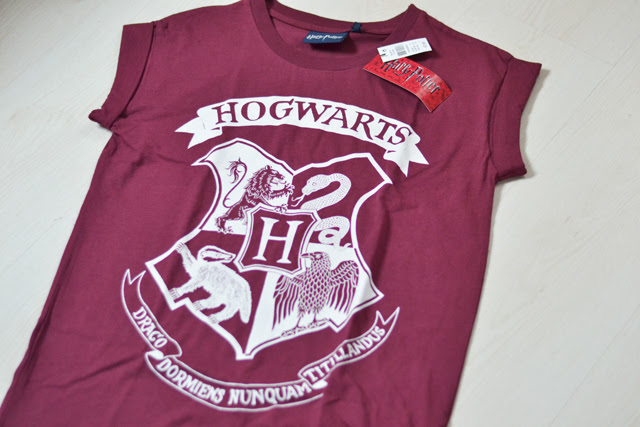 primark atmosphere basic new in eindhoven shopping hoodie white shirt strapless bra bandeau tops harry potter t shirt top tee hogwarts school