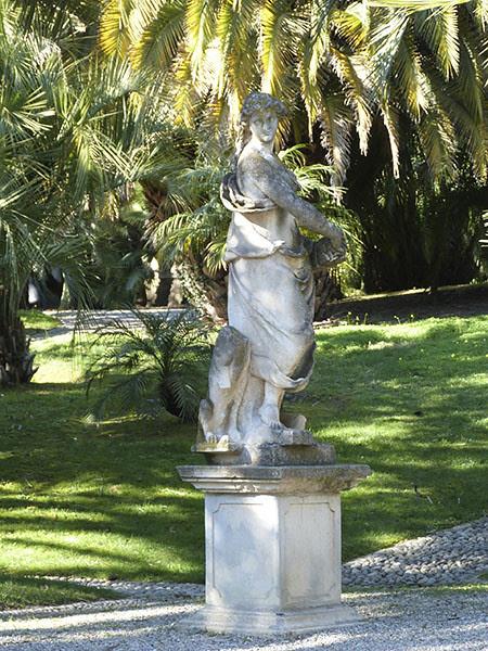 statue 1