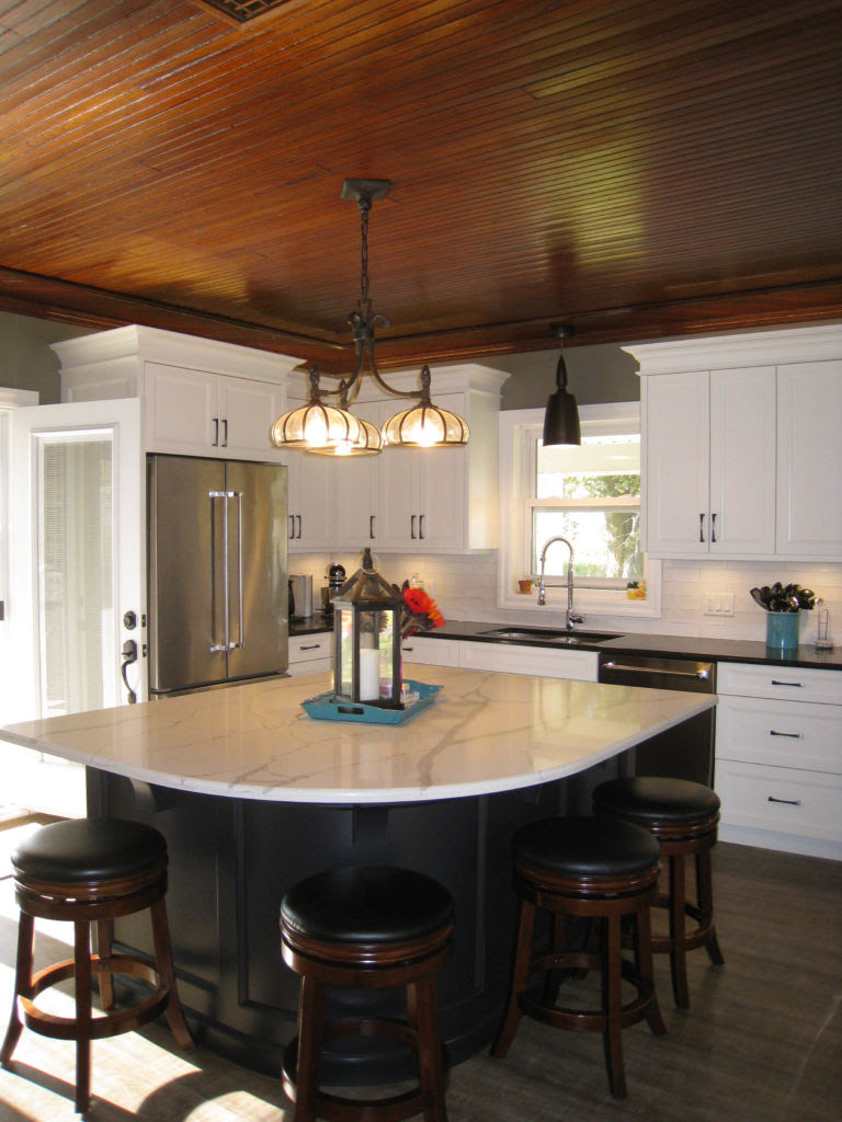 Two Tone Country Kitchen | Woodecor - Quality Custom ...