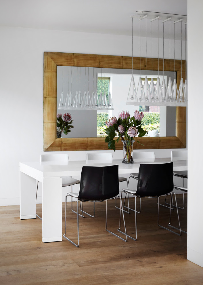 Mirror In Dining Room Interior Design