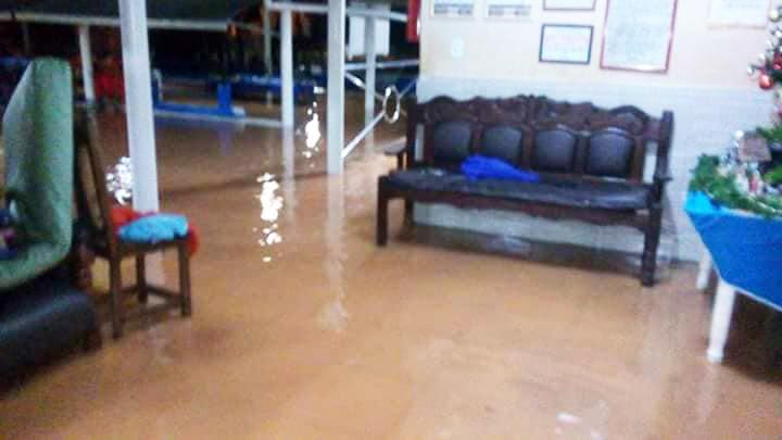 Devido ao ocorrido, o local está precisando de ajuda dos voluntariados para conseguir restabelecer os serviços. (Foto: Reprodução/Facebook)