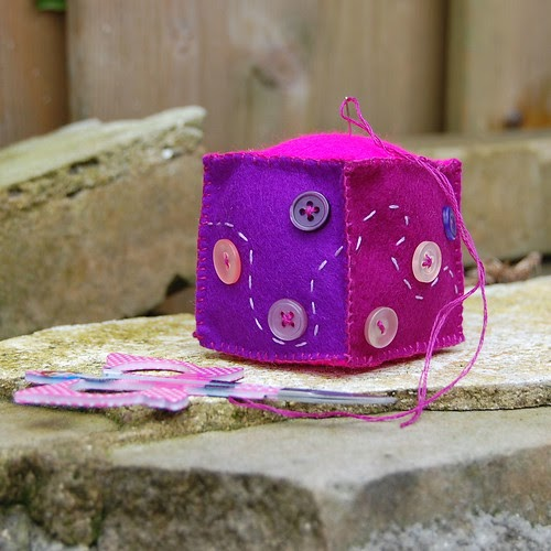 Coloursdekor S Blog: Audrey B.: Pincushion