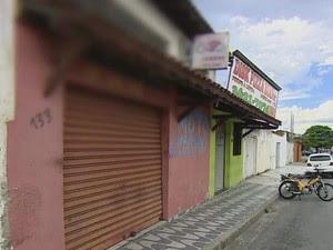 Comerciante baleado em bicicletaria morre em Taubaté (Foto: Reprodução/ TV Vanguarda)