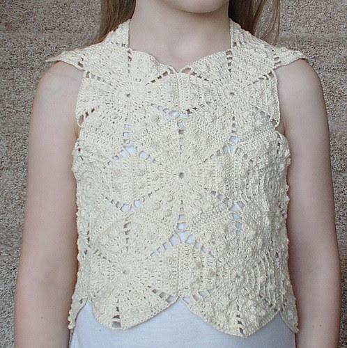 no sleeves top