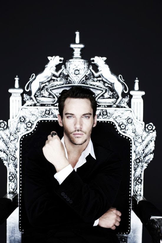 JRM...The Tudors...yuuummmmyyy!