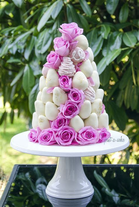 Ultimate Wedding Cake Trends For 2016 & 2017
