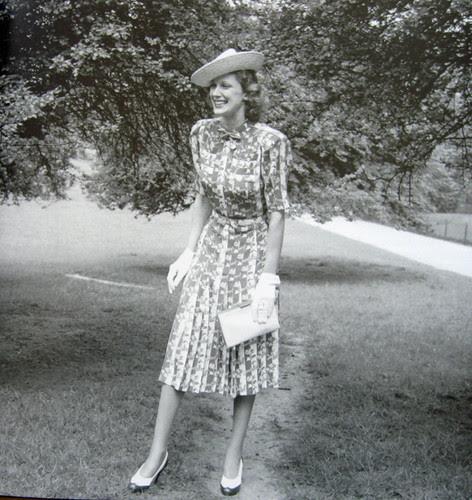 book bw 40s dress