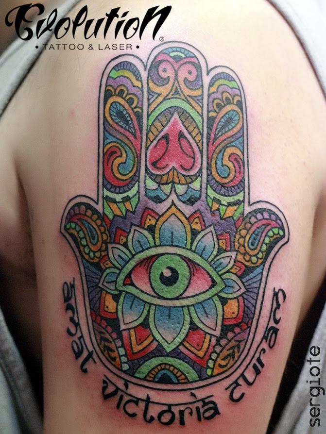 El Significado Y Mística Del Tatuaje De La Mano De Fátima