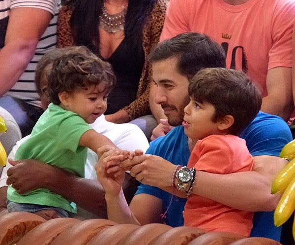 Marido de Juliana Paes acompanhou a família ao Esquenta (Foto: Fabio Rosso/ Gshow)