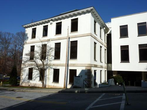 P1000619-2010-02-07-Shutze-Emory-Rich-Memorial-South-Facade