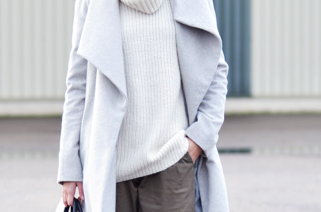 How to wear oversized coat, grey wool coat from mango, lapel coat, carrot trousers pants, slip ons white crocodile print zara, oversized turtle neck jumper street style inspiration by belgian fashion blogger turn it inside out belgie modeblogger ,fashion blogger, belgische blogster, outfit post, what i wear today, look, winter outfit