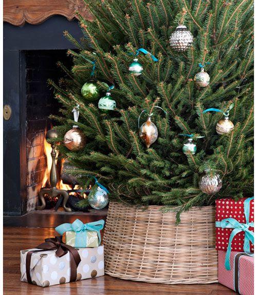 Wicker tree stand
