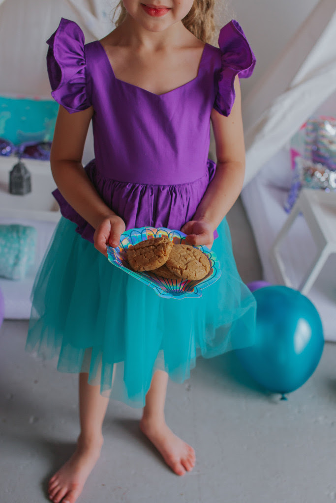 little girls little mermaid ariel birthday party 8