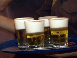 Relator diz que venda de bebidas nos estádios será mantida (Foto: globo news)