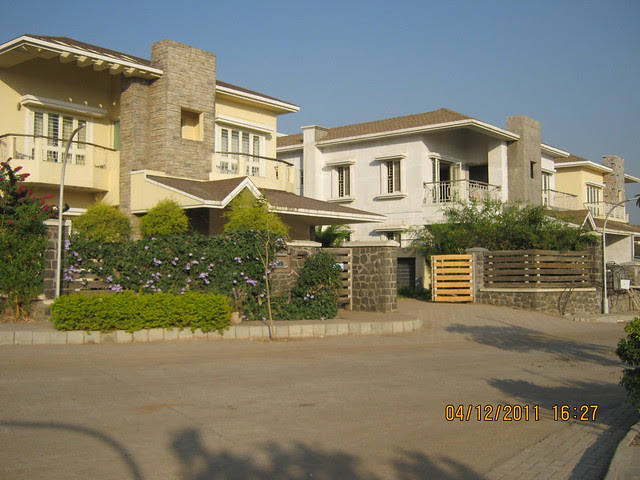Visit to Paranjape Schemes' Forest Trails, Bungalows, 2 BHK & 3 BHK Flats at Bhugaon, Pune 411 042