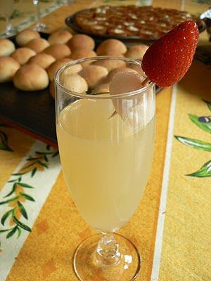 cocktail lichee champagne.jpg