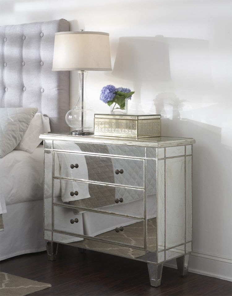 20 Stunning Bedrooms With Mirrored Furniture