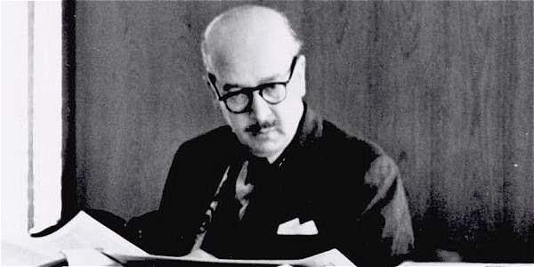 Roberto García-Peña, director de EL TIEMPO, estaba en su oficina cuando se ordenó, el 3 de agosto de 1955, clausurar el periódico.