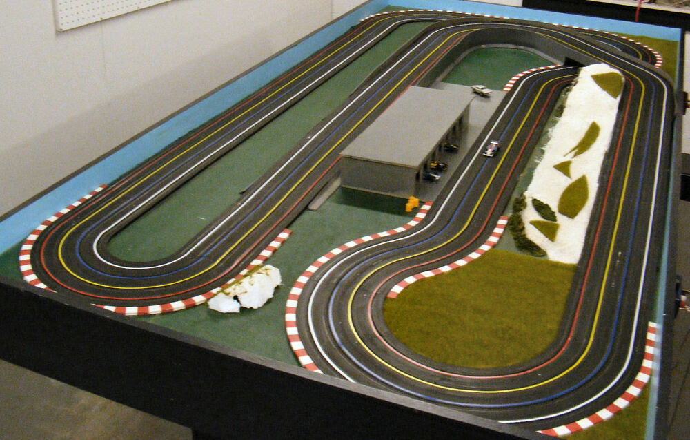 Slot car racing table