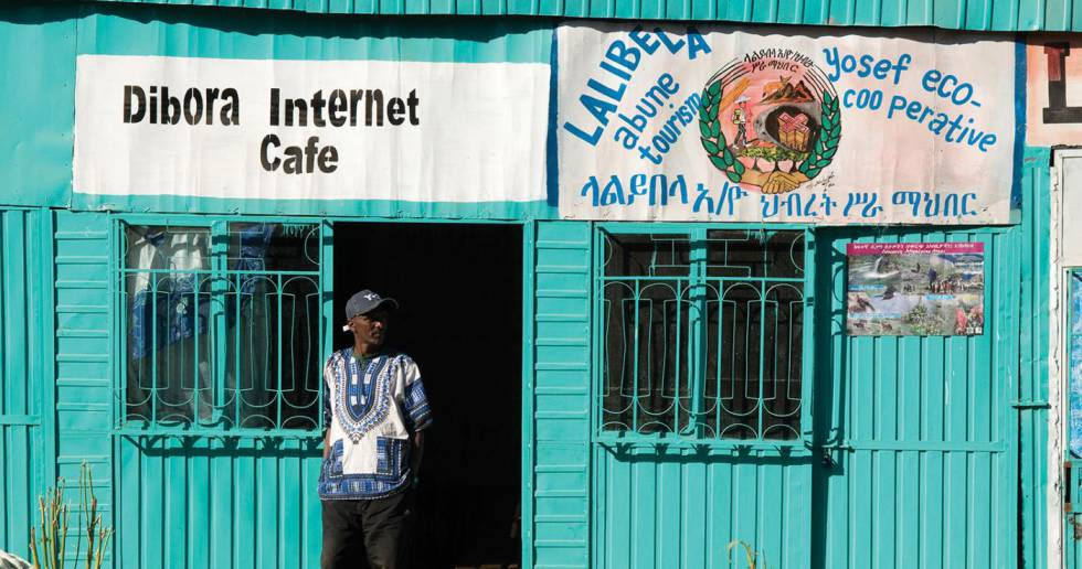 Un cíber café en Lalibela, Etiopía.