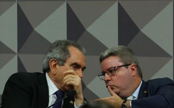 Antonio Anastasia e Raimundo Lira são peças chaves na comissão que analisará o pedido de impeachment