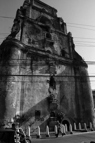 Sinking Bell Tower, Laoag