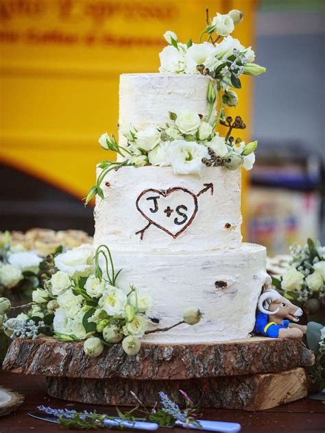 Wedding Cake Displays: Natural Wood Cake Stands   Inside