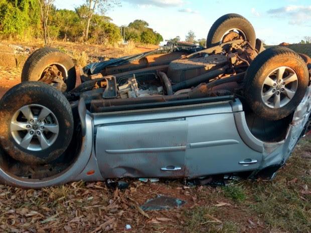 Empresário morre após carro cair de viaduto em Piracanjuba, Goiás (Foto: Divulgação/PRF)