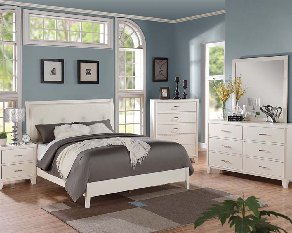 Contemporary Cream Bedroom  Set Tyler by Acme Furniture